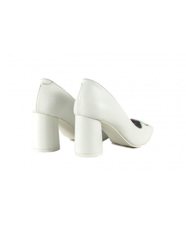 Pantofi eleganti albi 1904
