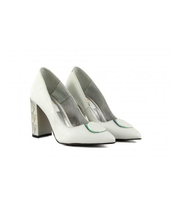 Pantofi eleganti albi 1905