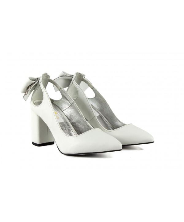 Pantofi eleganti albi 1913